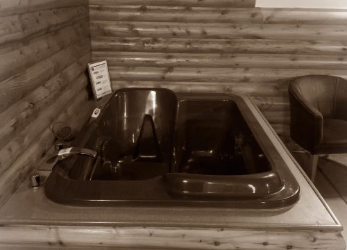 C4 Jetted Tub pic